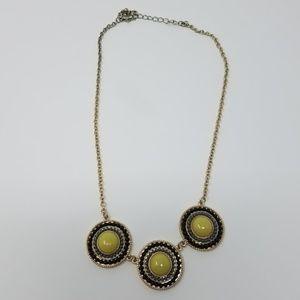 Jewelry - Gold circle pendant necklack